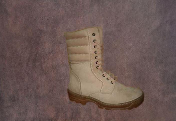 Schuhe Militär 06